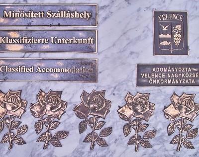 önkormányzati emléktábla