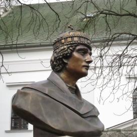 III. András király mellszobra Bölcske