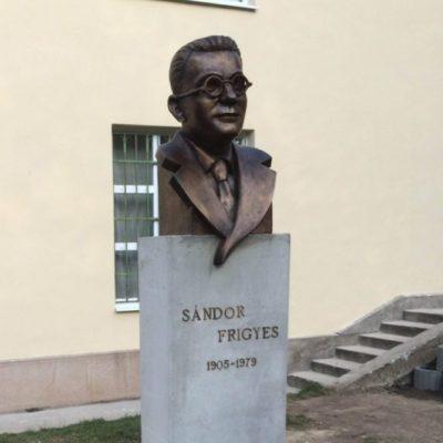 Sándor Frigyes szobor