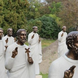 Tizenkét Apostol Apostag
